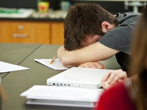 Teens Sleeping In Saves Lives?!