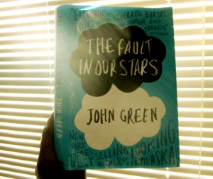Book Review: The Fault in Our Stars Sheds Light into the Dark