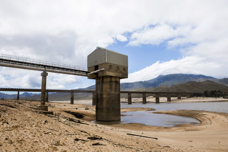 River basin outside Cape Town with nearly no water left
